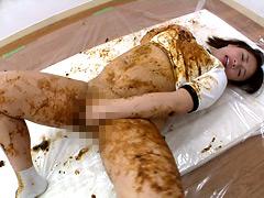 糞オナニーで逝くブルマ女の動画
