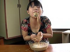 拒食症女の危険すぎるゲロ動画